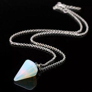 5/$25 💟 Opal Pendulum Necklace